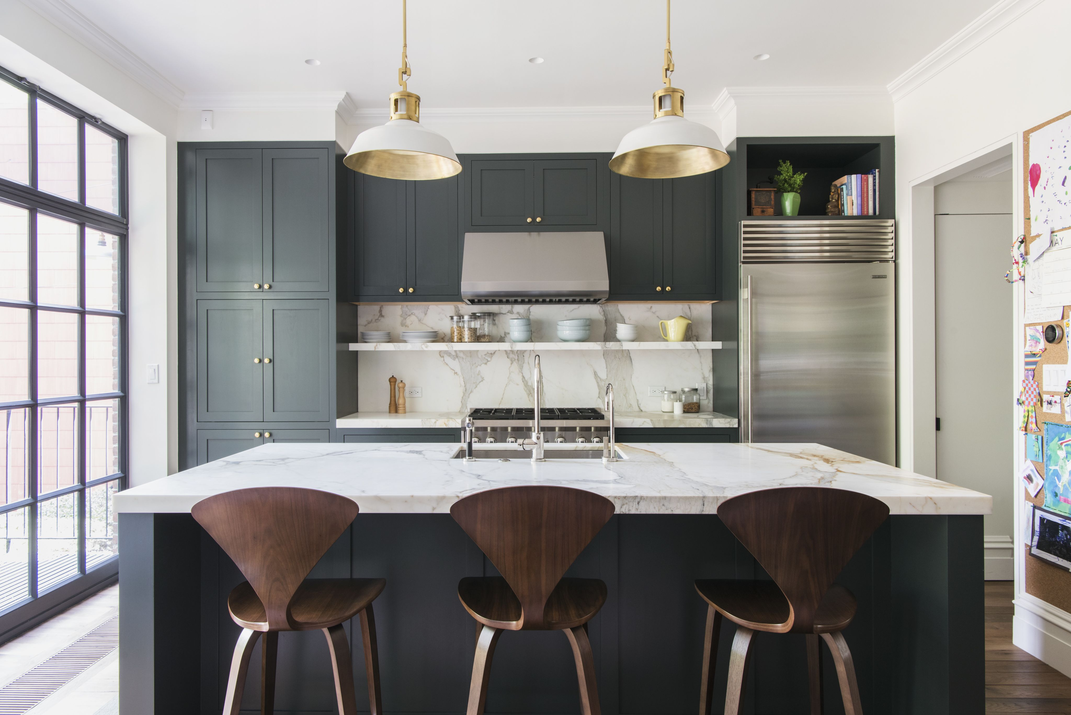 An Unfussy Brooklyn Townhouse Remodel From Architect Elizabeth Roberts Remodelista Kitchen Cabinet Colors Green Kitchen Dark Green Kitchen