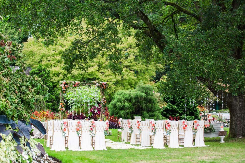 Cool Outdoor Wedding Venues Across Canada: A Paper Crane-Themed Wedding In Vancouver