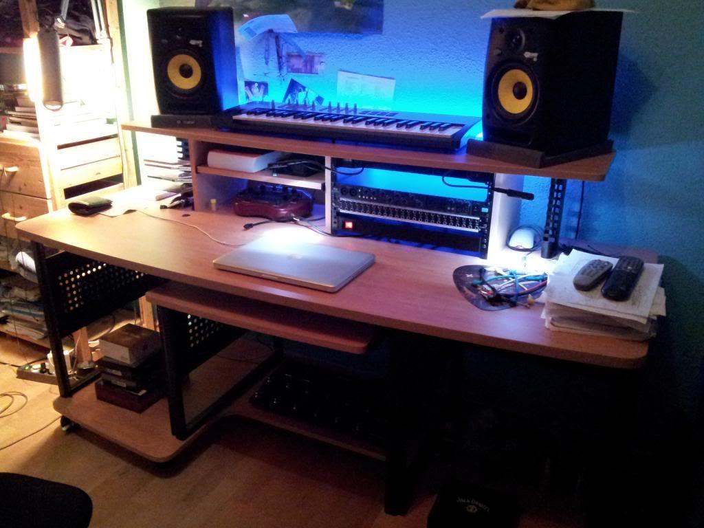 Studio Trends 30 Desk Tv Studio Desks Pinterest