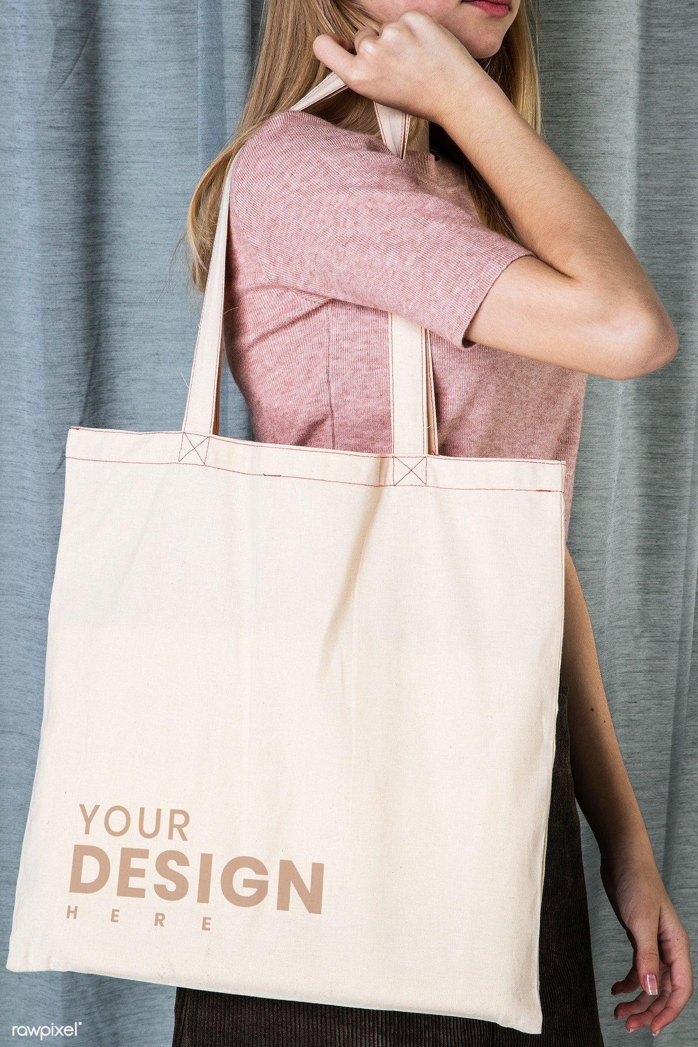 Download Download Premium Psd Of Woman With Tote Bag Mockup 2290584 In 2020 Bag Mockup Tote Bag Bags