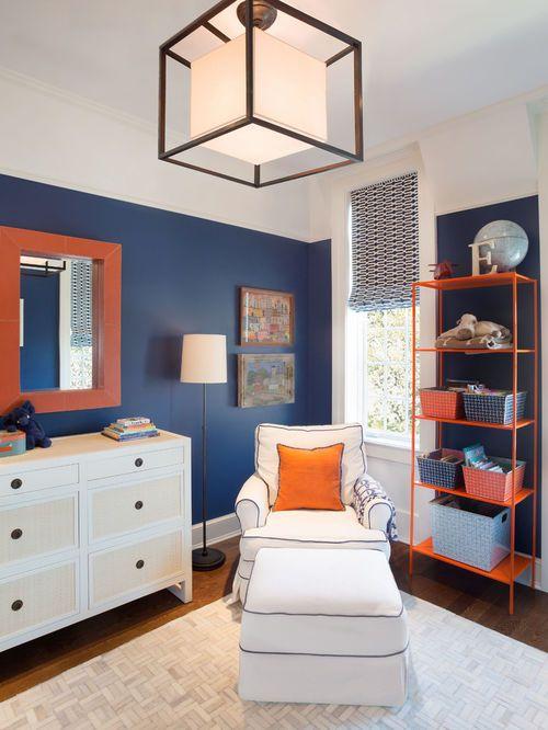 exemple d 39 une chambre d 39 enfant tendance de taille moyenne avec un mur bleu un sol en bois fonc. Black Bedroom Furniture Sets. Home Design Ideas