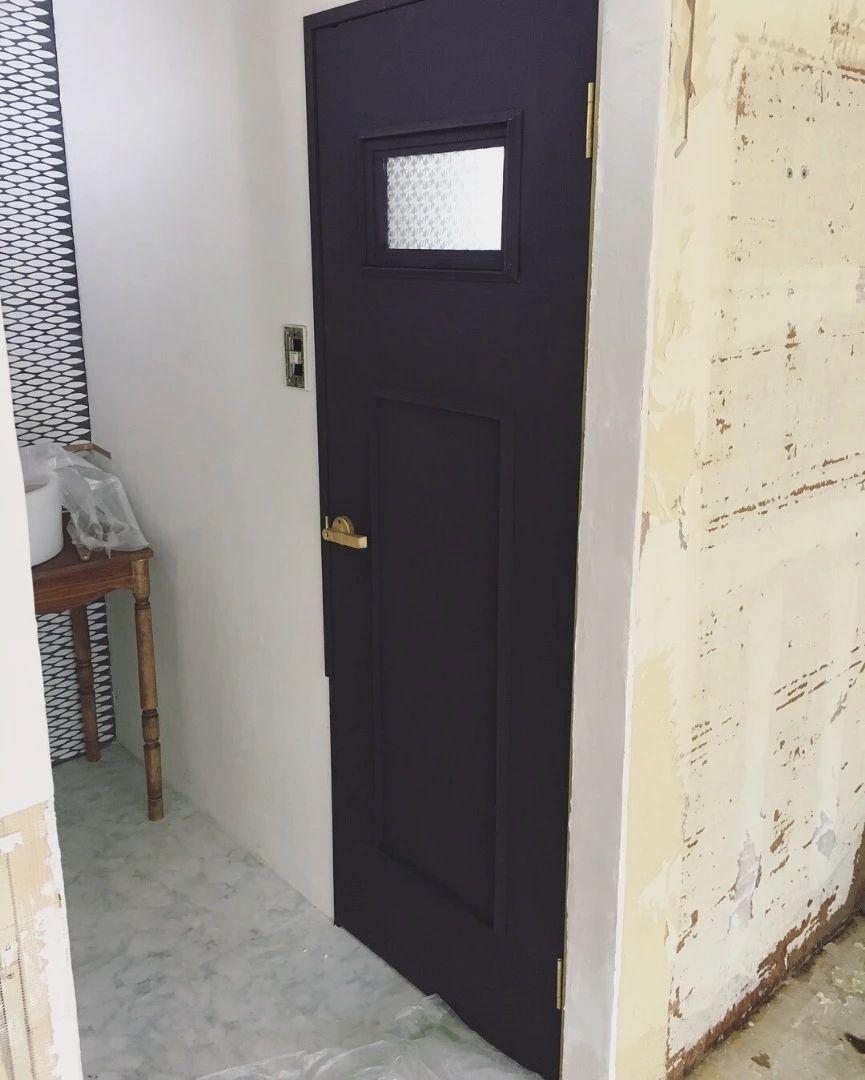 築25年 古いトイレの扉を大人カッコ良くリメイク 古い トイレ