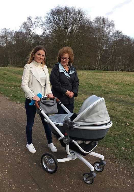 silver cross sx pioneer expedition pram justbabystrollers just. Black Bedroom Furniture Sets. Home Design Ideas