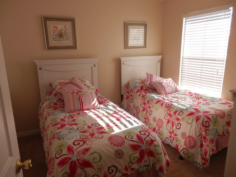 Small Tween Girl Bedroom Ideas With Two Bedding Unit In Comfortbale ...