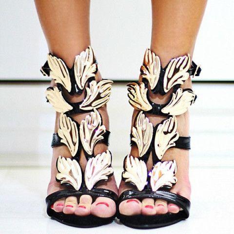 Gold Wings Sandals - Blog de Moda e Look do dia - Decor e Salto Alto   High  heel, Leaves and Sandals