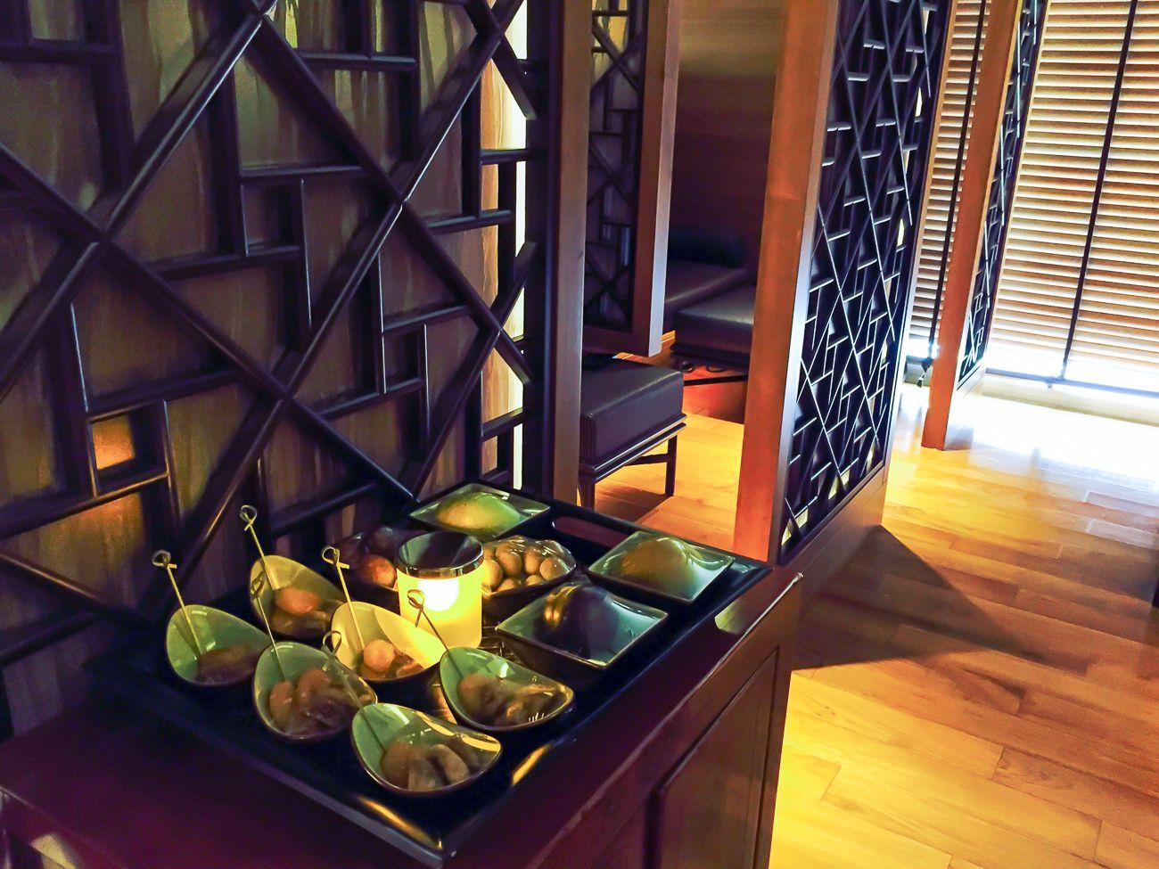 Snacks at The Mandarin Spa in Hong Kong that embrace the Chinese principles of Yin and Yang