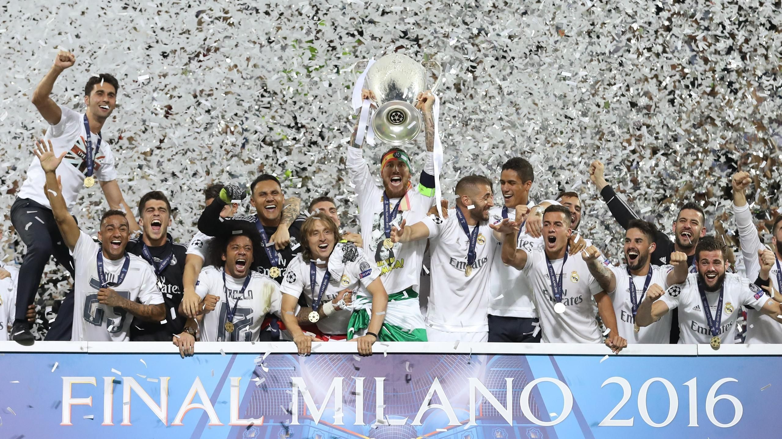Real Madrid Win 2016 Uefa Champions League Trophy Real Madrid Win Real Madrid Real Madrid Football Club