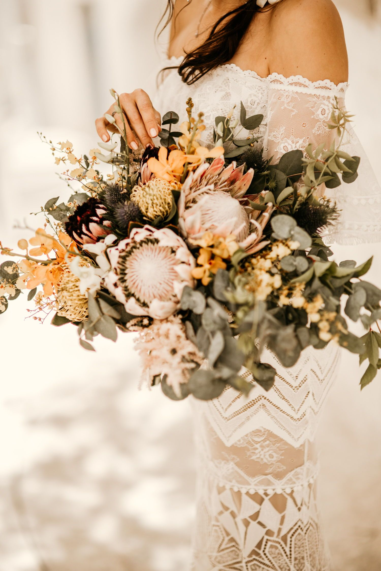 10 Bohemian Wedding Bouquets For Any Style Wedding Bohemian