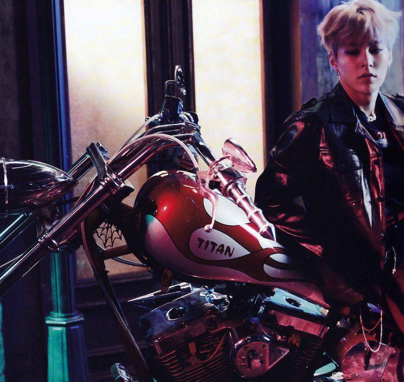 Xiumin - Álbum Japonês 'Coming Over' EXO (2016)