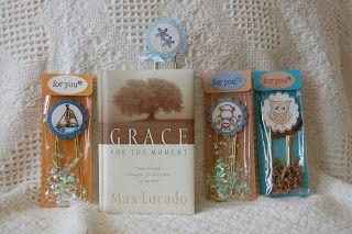 Pretty way to gift handmade bookmarks