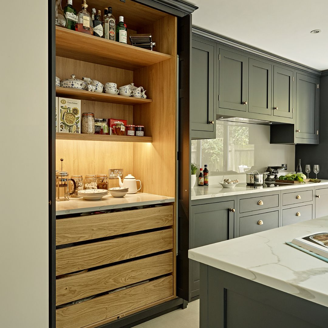 Kitchen Cabinets Were Fitted From Floor To Ceiling In This Battersea Kitchen To Achieve The Minima Tall Kitchen Cabinets New Kitchen Cabinets Kitchen Cabinets