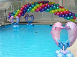 Globos en piscina piscinas decoraci n hogar y casas for Addobbi piscina
