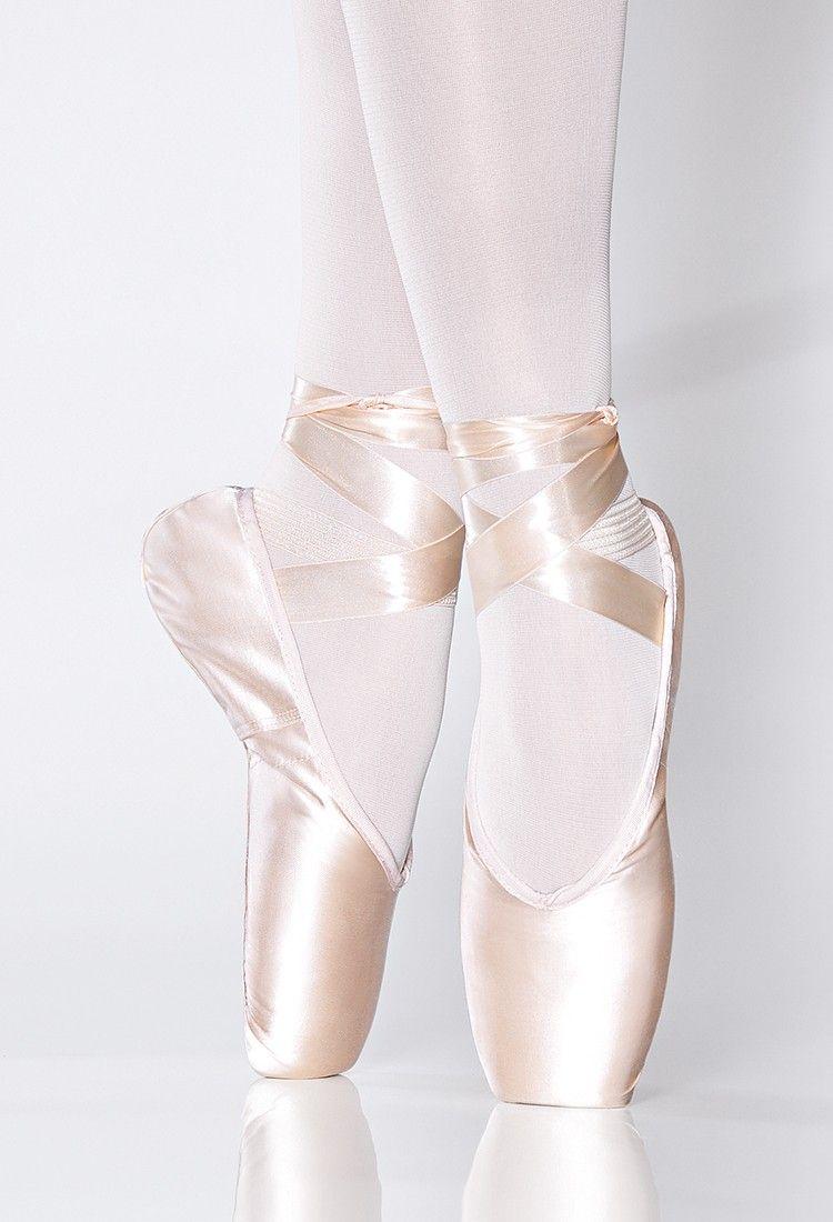 7cb2acaab8 Sapatilha de Ponta Claudia - Ballet e Dança - MariDança