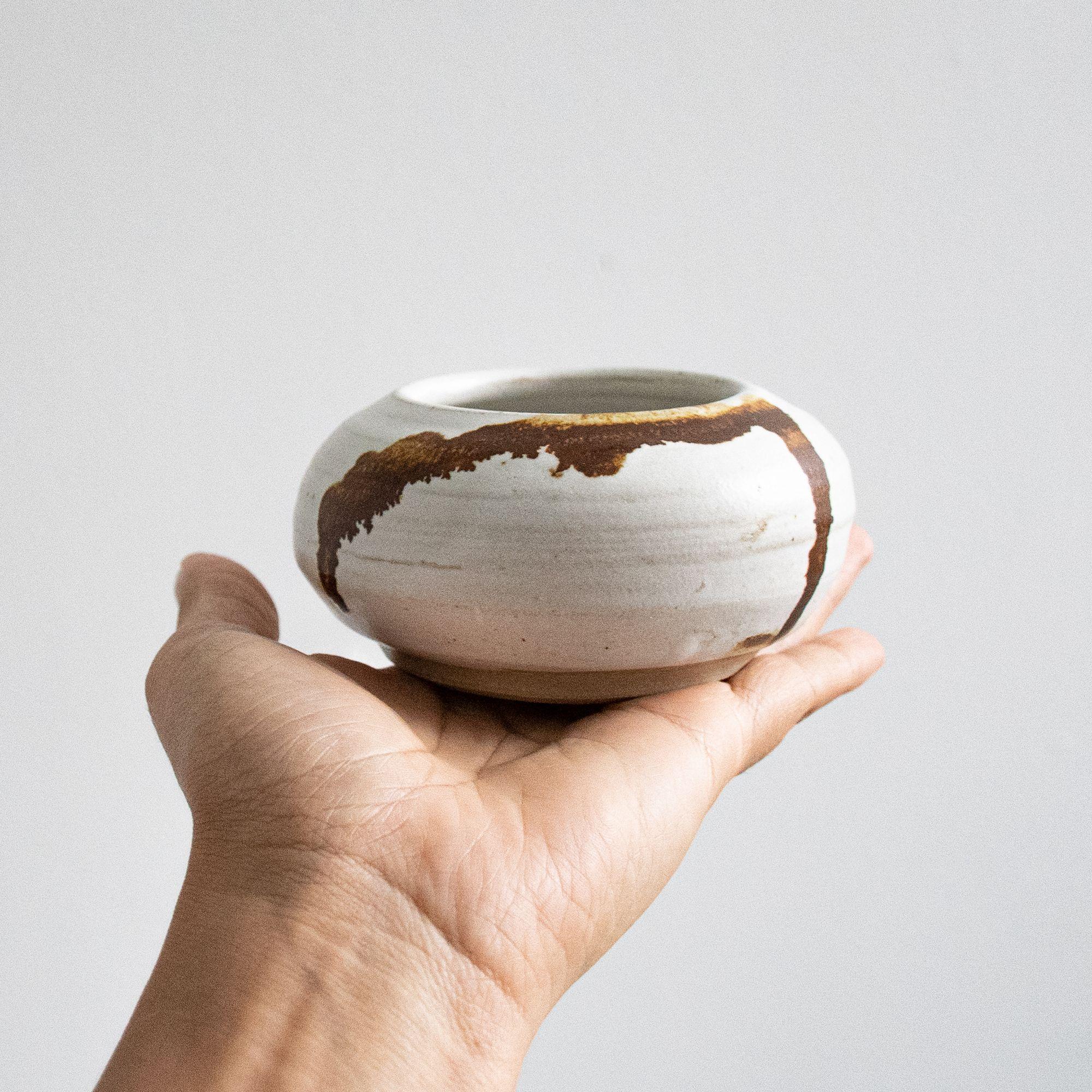 Pottery #potteryclasses Pottery class #pottery #ceramics #bowl #wheelthrownpottery #handmadepottery #potterylove #handmade #handmadecrafts #handmadeceramics #clay #wheelthrown #glaze #vessel #potteryclasses