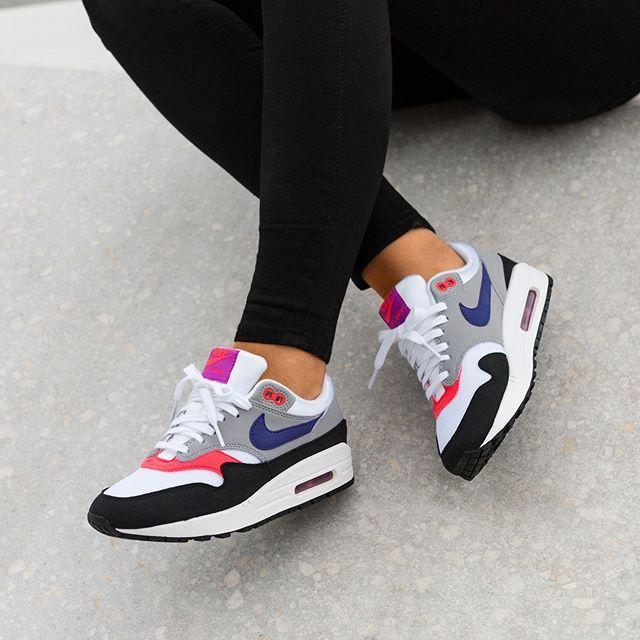 sneakers for cheap 3b101 02523 Nike WMNS Internationalist