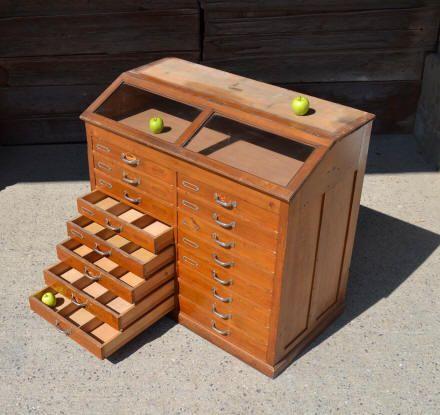 mobilier industriel ancien meubles mobilier de salon. Black Bedroom Furniture Sets. Home Design Ideas
