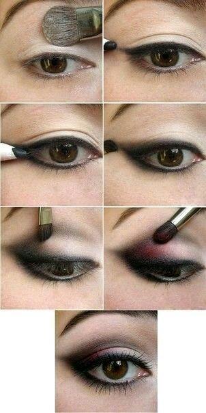 Maquillaje nocturno negro con rosa