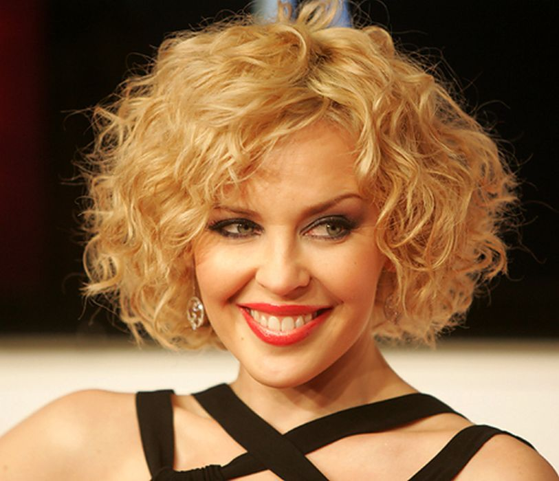 Curly Bob Hairstyles For Round Faces Hair Pinterest Curly Bob