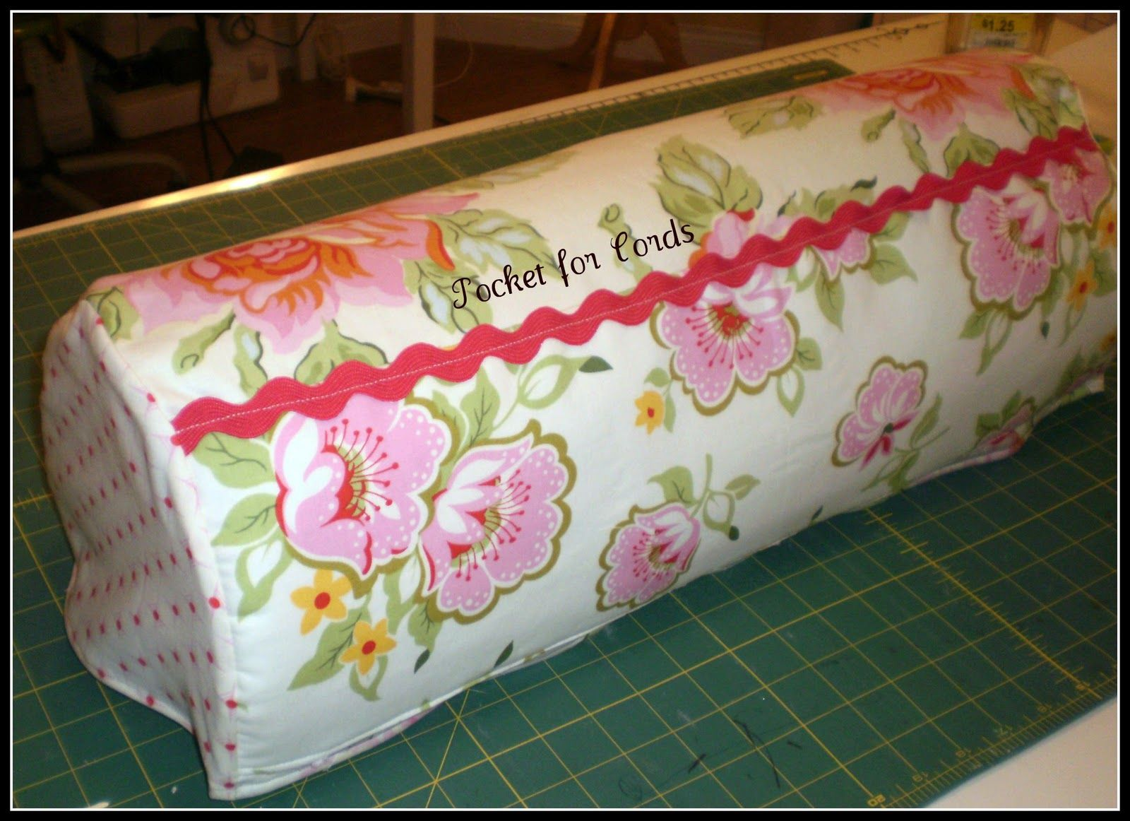 Crafty Girls Workshop...: Dust Cover for my Expression