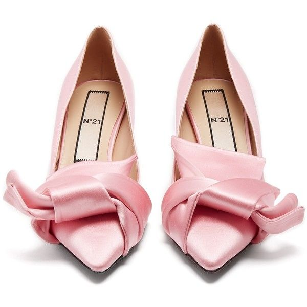 Point-toe bow satin pumps N°21