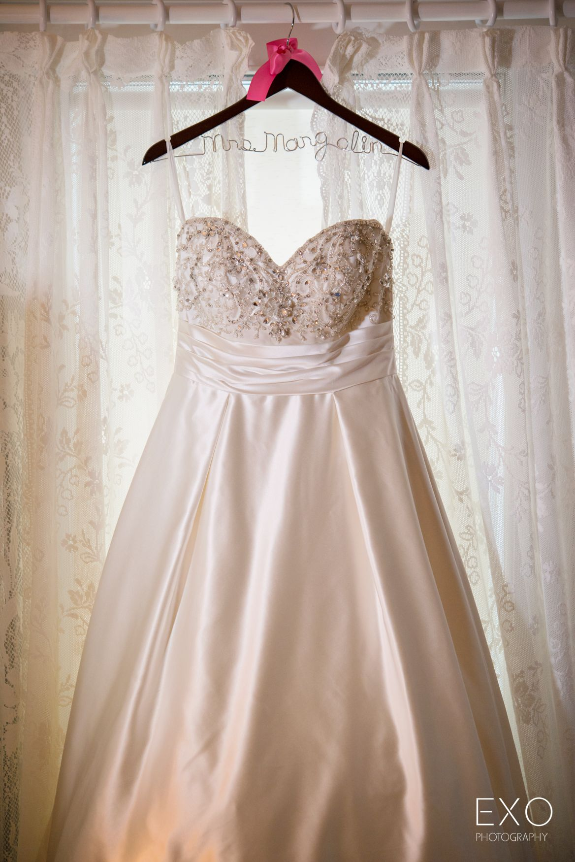 Wedding dresses pittsburgh  What gorgeous winter dress by Carlisle of Pittsburgh captured by EXO