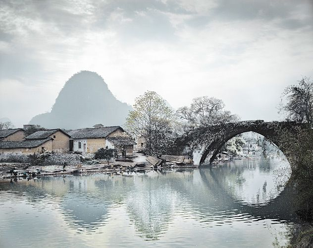 Stephen Wilkes. Fantastic photos of China's landscapes, factories and Three Gorges Dam.