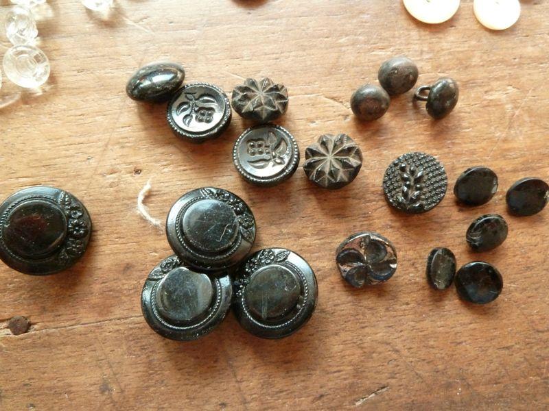 boutons ancien à échanger avec collectionneur de boutons