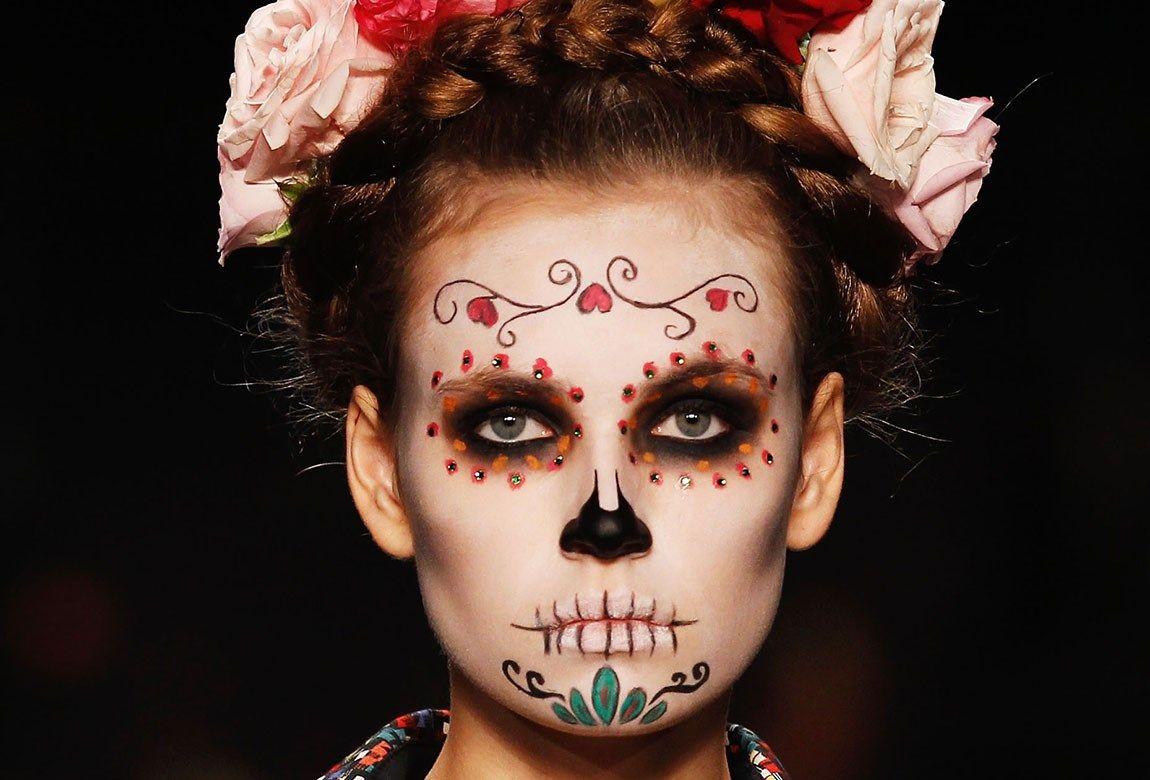 Your Essential Day Of The Dead Makeup Tutorial Dead Makeup Halloween Makeup Inspiration Day Of Dead Makeup