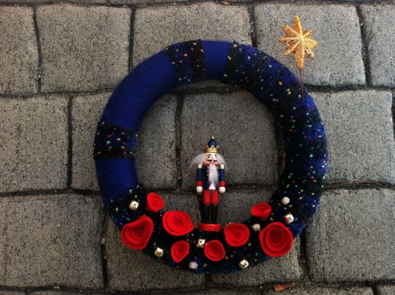 Christmas Wreath. Toy Soldier Wreath. Holiday Wreath. Christmas Star. Yarn and Felt Wreath. (W106) READY to ship.