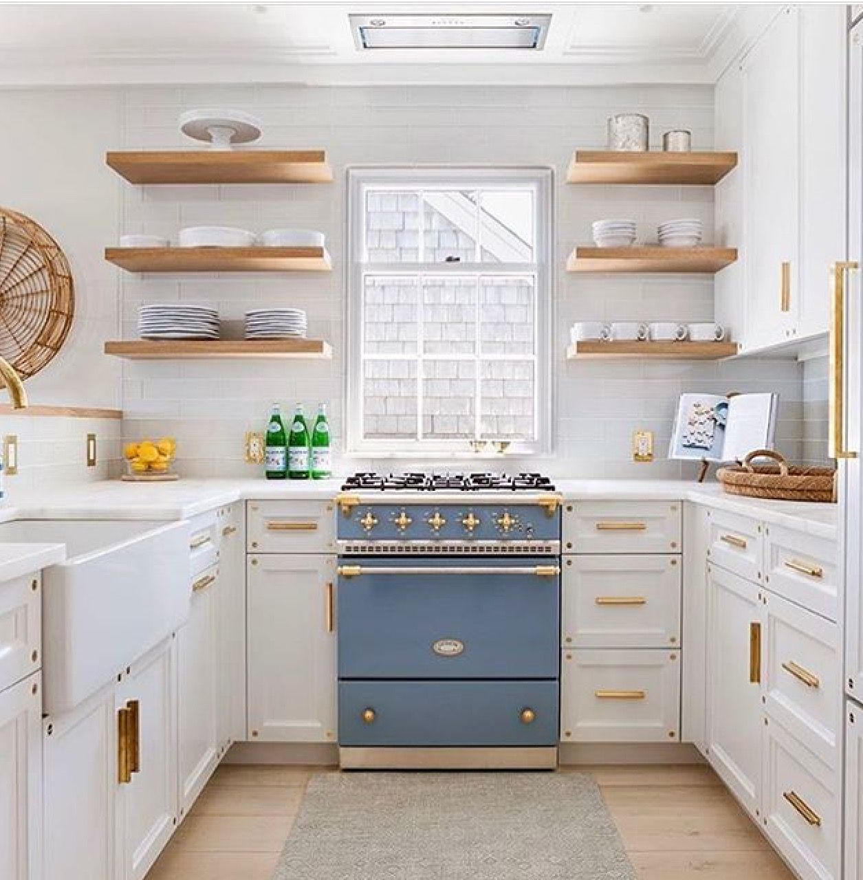 Best Fabulous Small Kitchen White Cupboards Gold Hardware 640 x 480