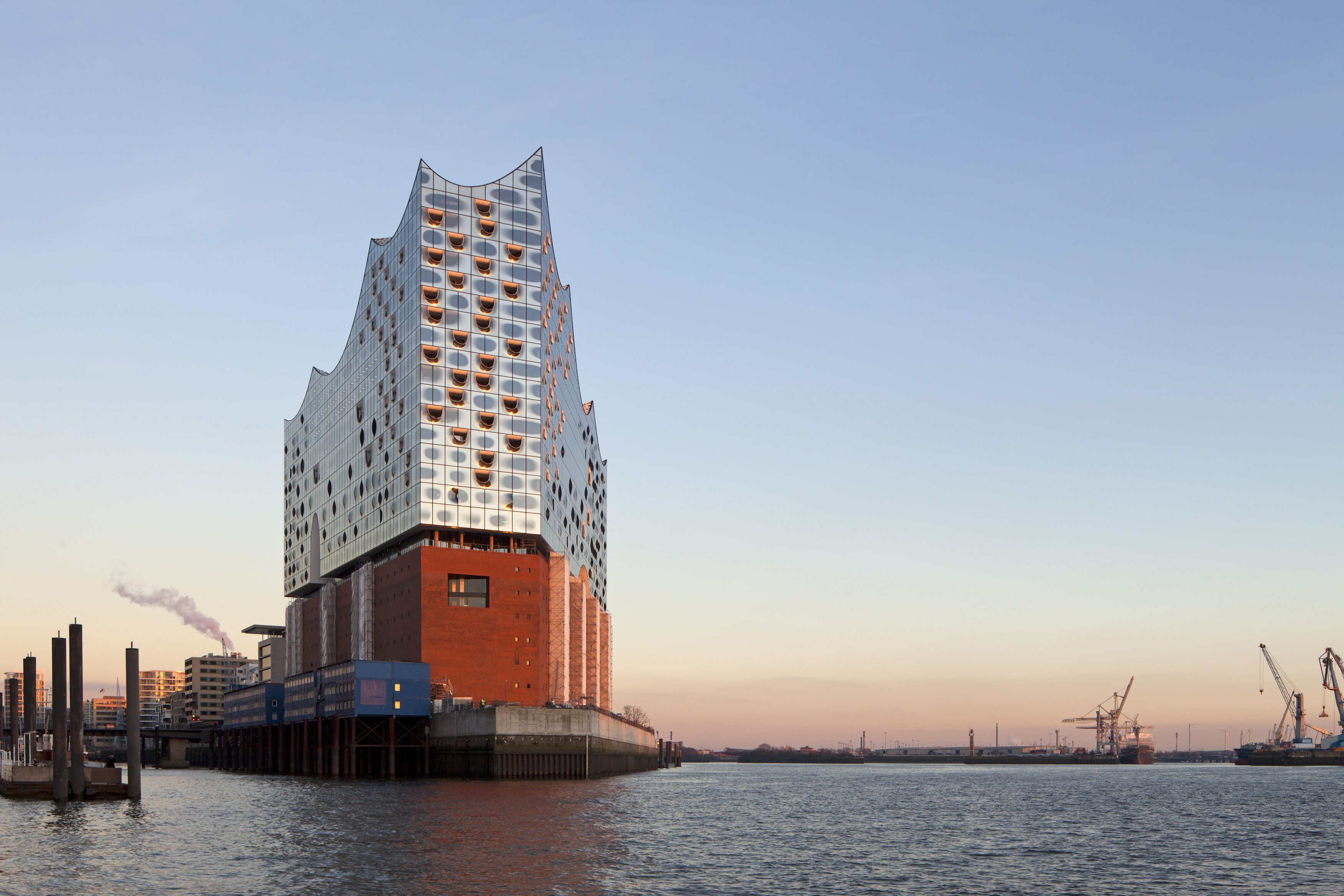 Dd8150f94895625586e6ec9db3471493 Elbphilharmonie Hamburg Is Giving Away 1000 Tickets For The Opening Conc Amazing Architecture Elbphilharmonie Hamburg Building