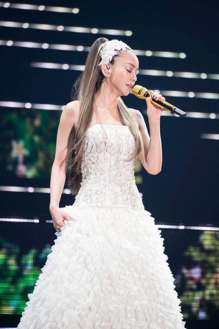 「安室奈美恵 ウェディングドレス」の画像検索結果