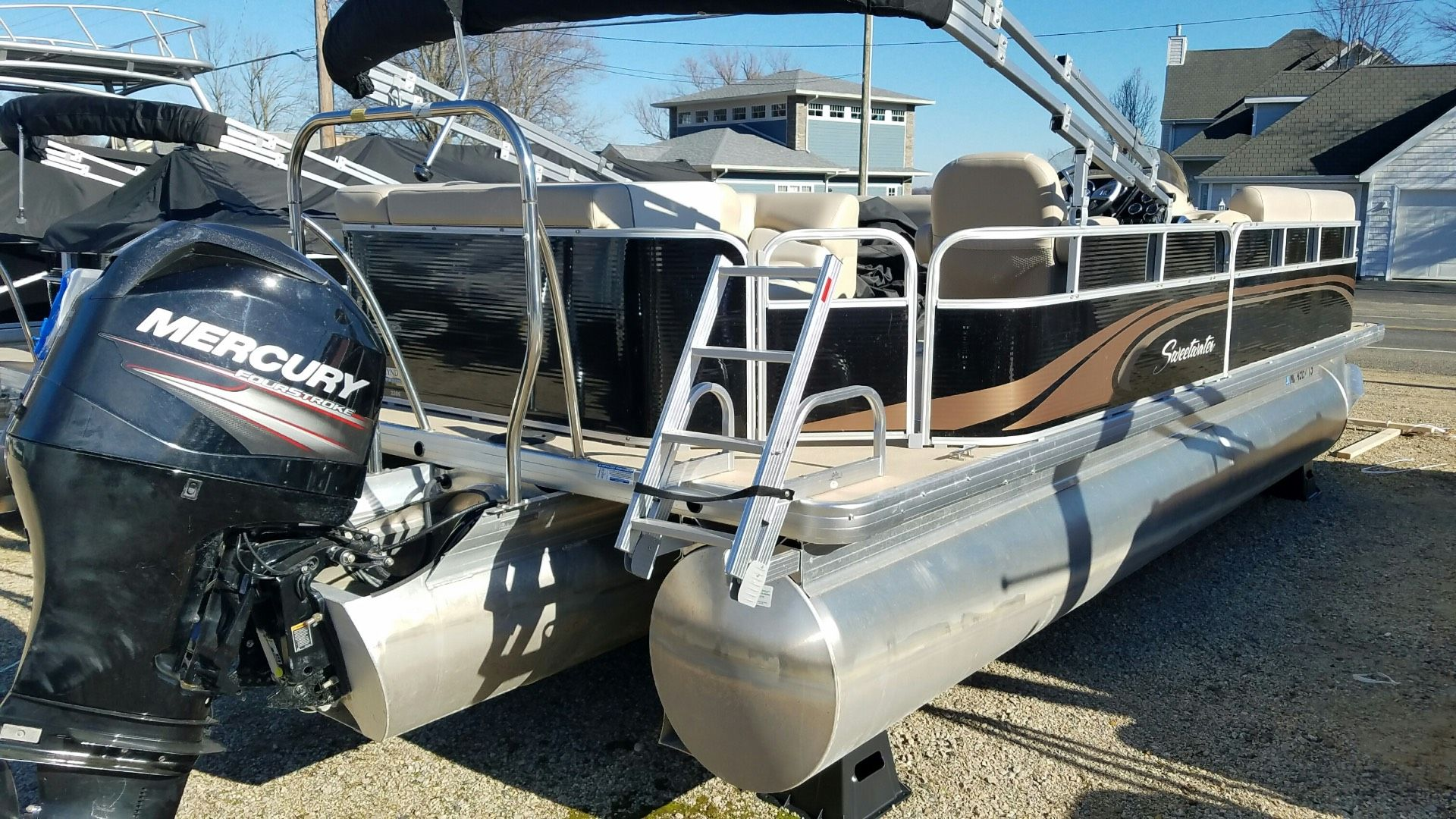 Used 2014 Sweetwater Sw2286c Tri Toon Coloma Mi 49038