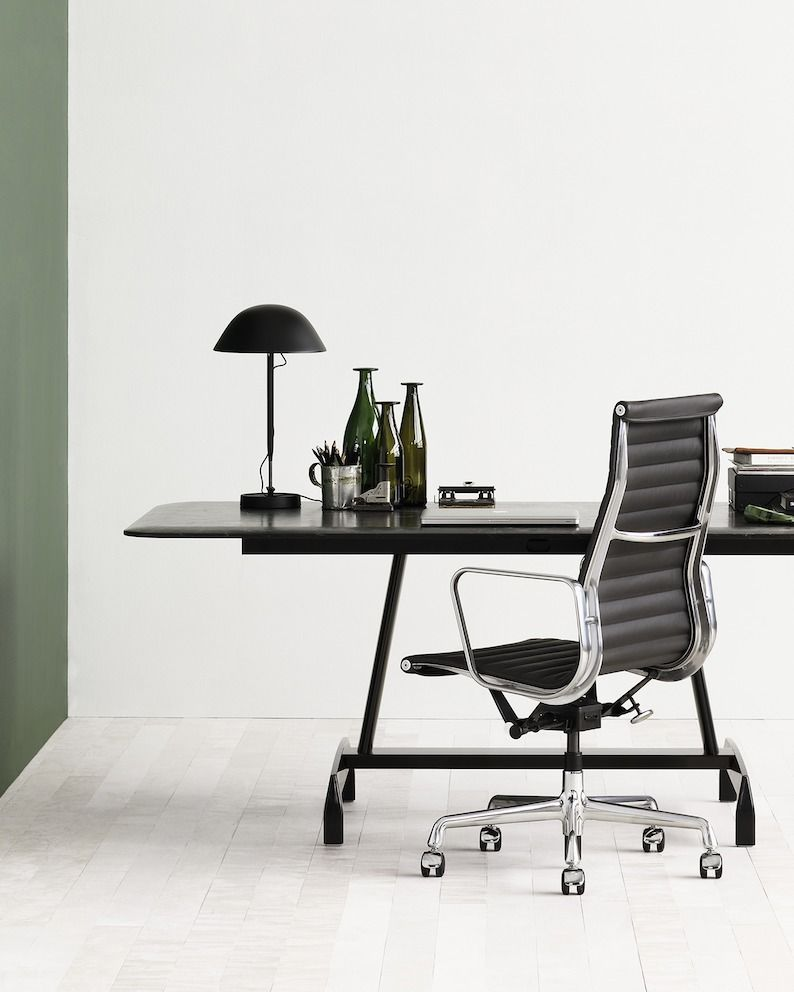 Eames aluminum group executive chair with agl table with