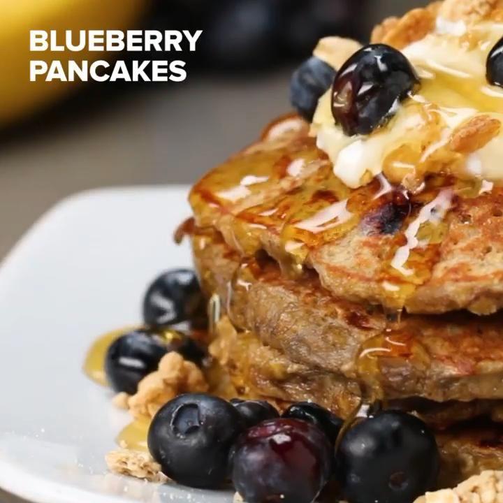 Healthy Blueberry Banana Pancakes 🥞🍌