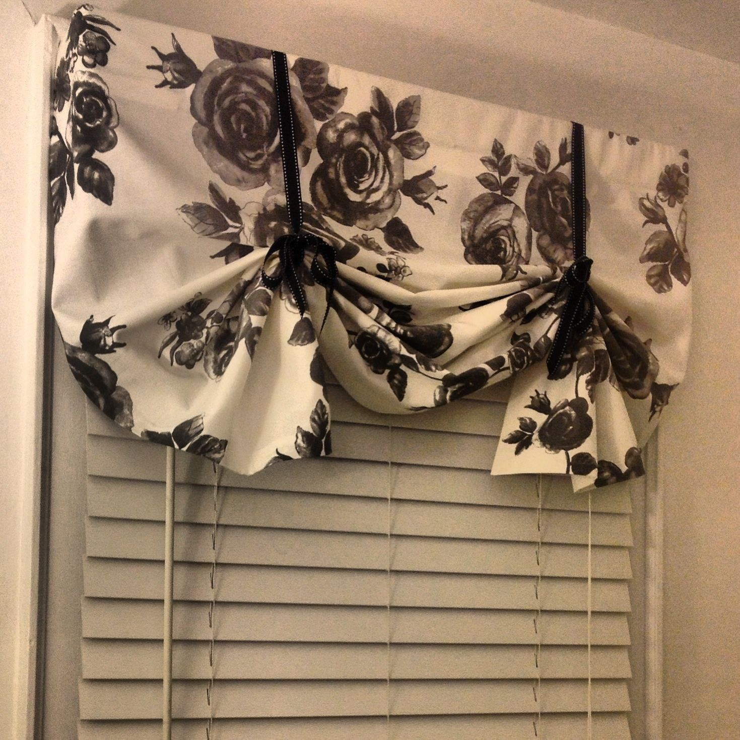 No curtain window ideas   budgetfriendly nosew diy curtains ideas  diy curtains curtain