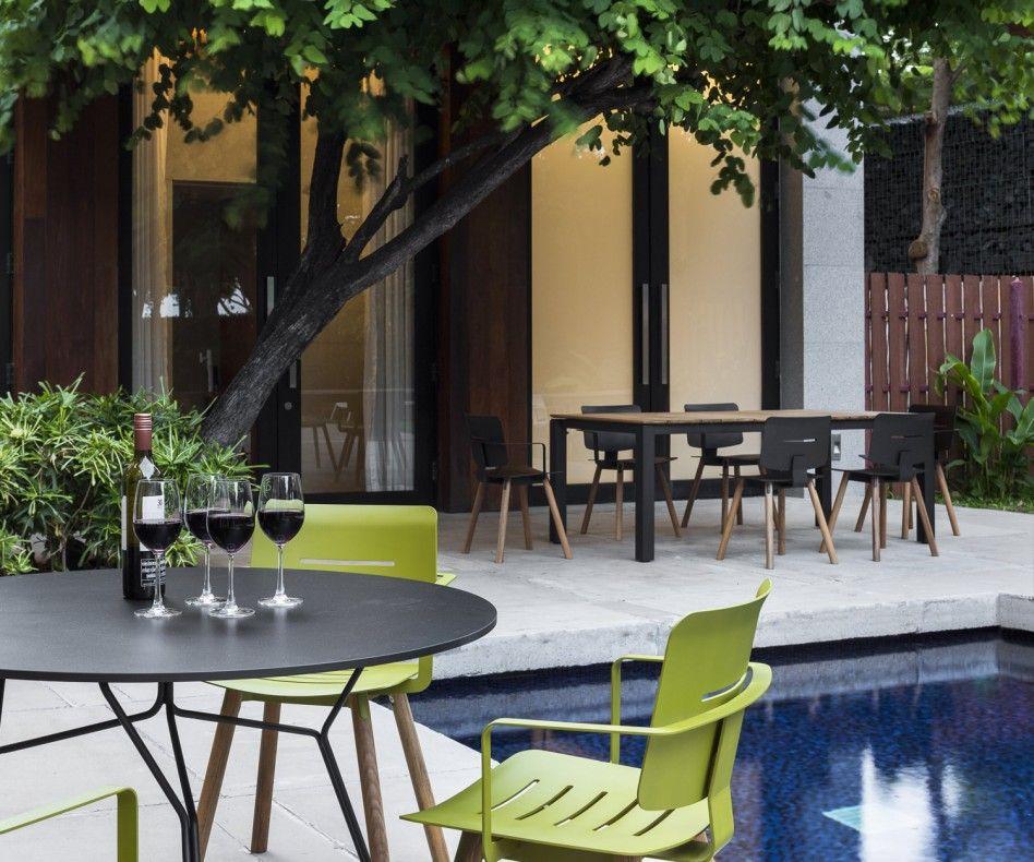 oasiq coco aluminium teak stuhl mit armlehnen | gardens, home and, Gartenmöbel