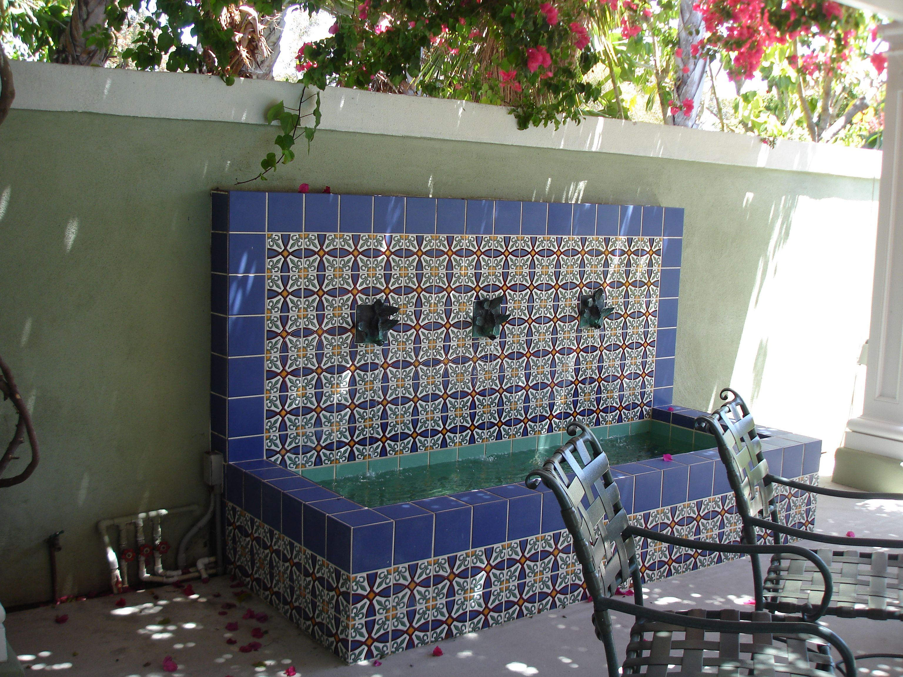 Tile fountain in mission hills san diego ca mission for Garden fountains phoenix