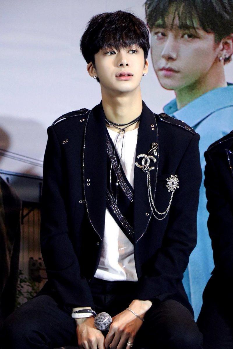 8 Rising Male Idols Who Are The Visual Future Of K Pop Koreaboo Hyungwon Monsta X Monsta X Hyungwon