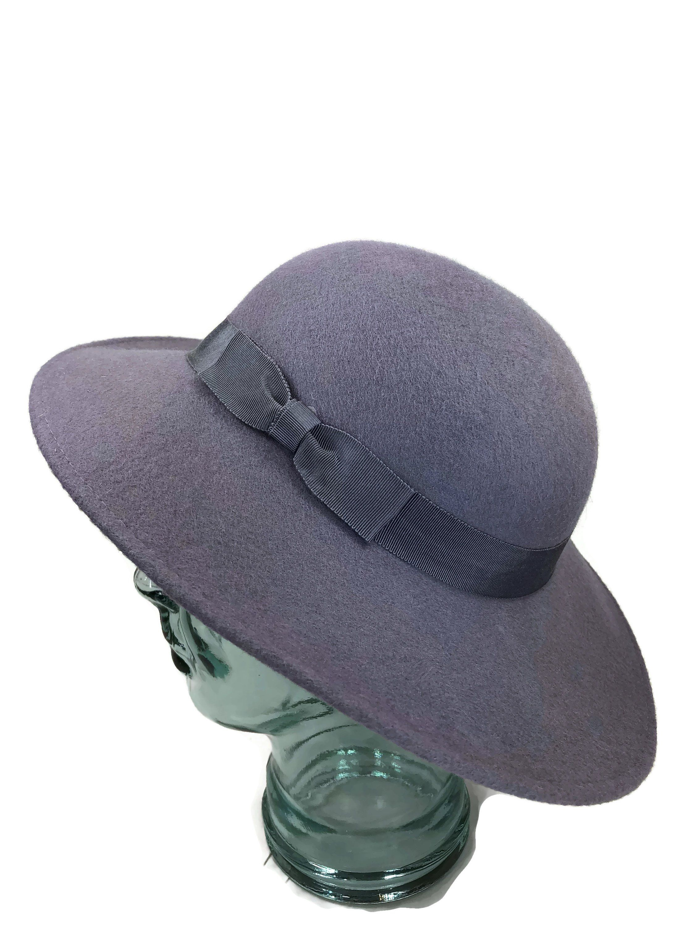 8871c58d2033d Beautiful Lilac   Mauve Vintage Wool Felt Hat by LoubooluJewellery on Etsy