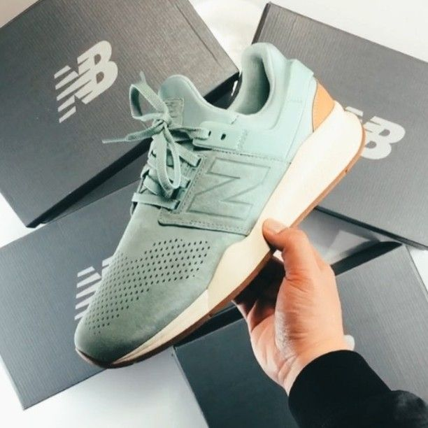 9a642f329135 Sneaker News ( sneakernews) • Instagram photos and videos. Find this ...