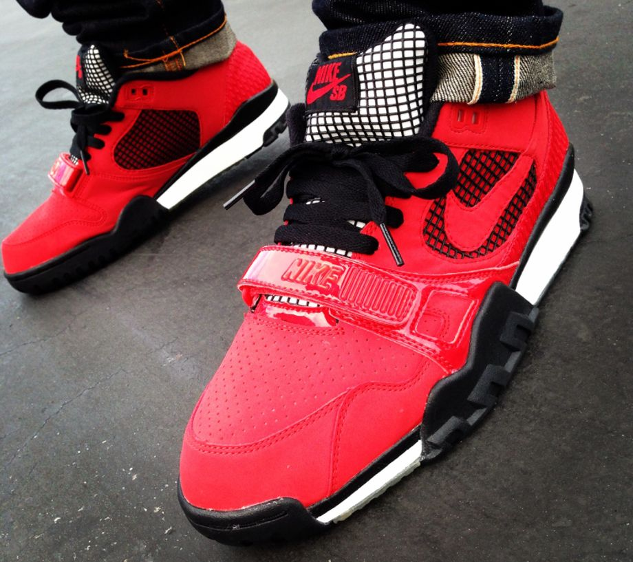 6c90a56ca81a 8-Nike Air Trainer SB 2 x Supreme - YoungSk8