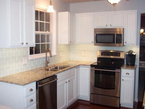 More Ideas Below Kitchenremodel Kitchenideas Modern Traditional Kitchen Design Idea Kitchen Remodel Small Small L Shaped Kitchens Traditional Kitchen Design