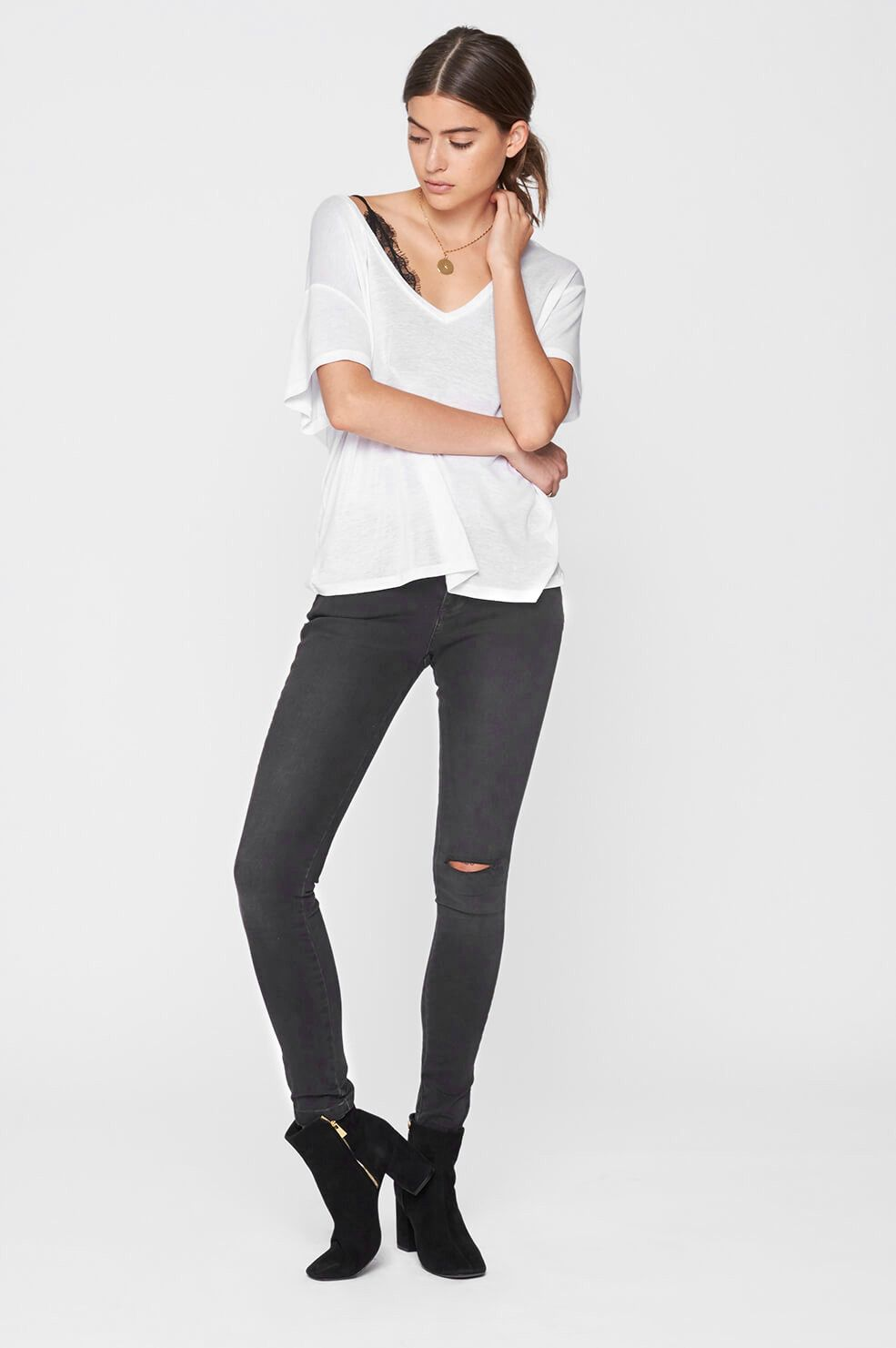 0df4b5a44d ANINE BING Deep V White T-shirt | Style and Trends | T shirt, Silk ...