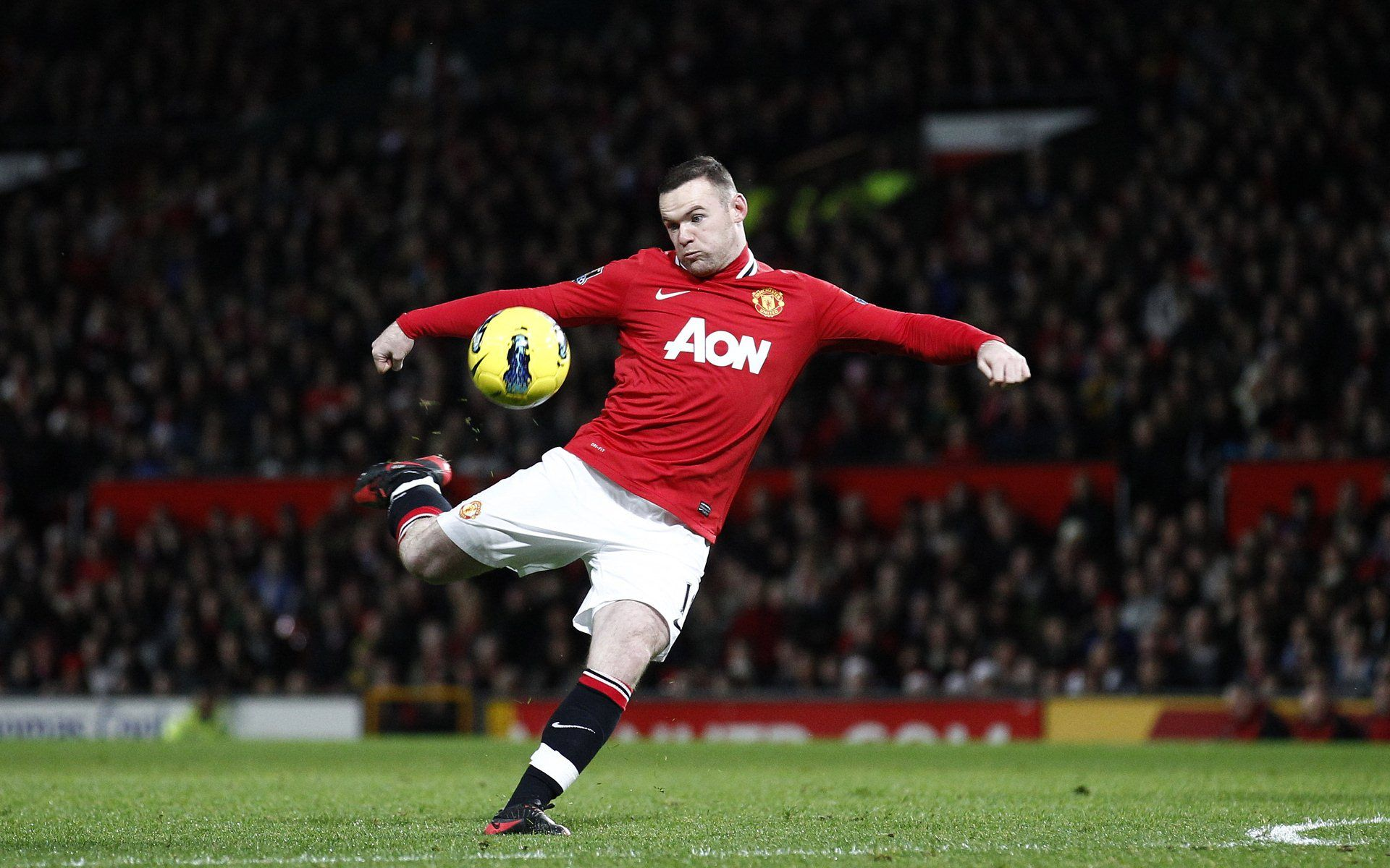 Get Nice Manchester United Wallpapers Hd Wallpaper 4. Wayne Rooney -  Well, there is no necessity to introduce this player to you. He is one of the best strikers. Some of his goals leaves the viewers dumb-strucked as he is known for scoring amazing goals. His passing and stamina makes him one of the best in the world. He has scored 214 goals in 440 matches in the colours of United. ♥