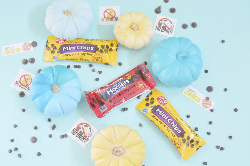 Allergy Friendly Halloween: Snack Freely Chocolate | Lindsey Lee & Co