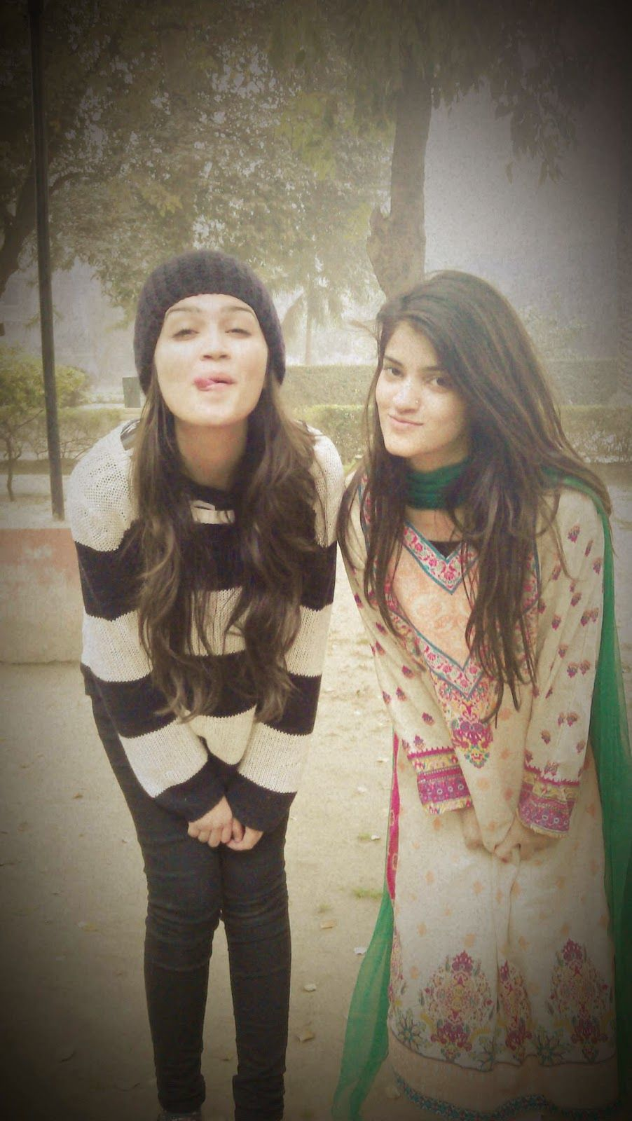 Desi Pakistani Hot Sexy College Girls Photos