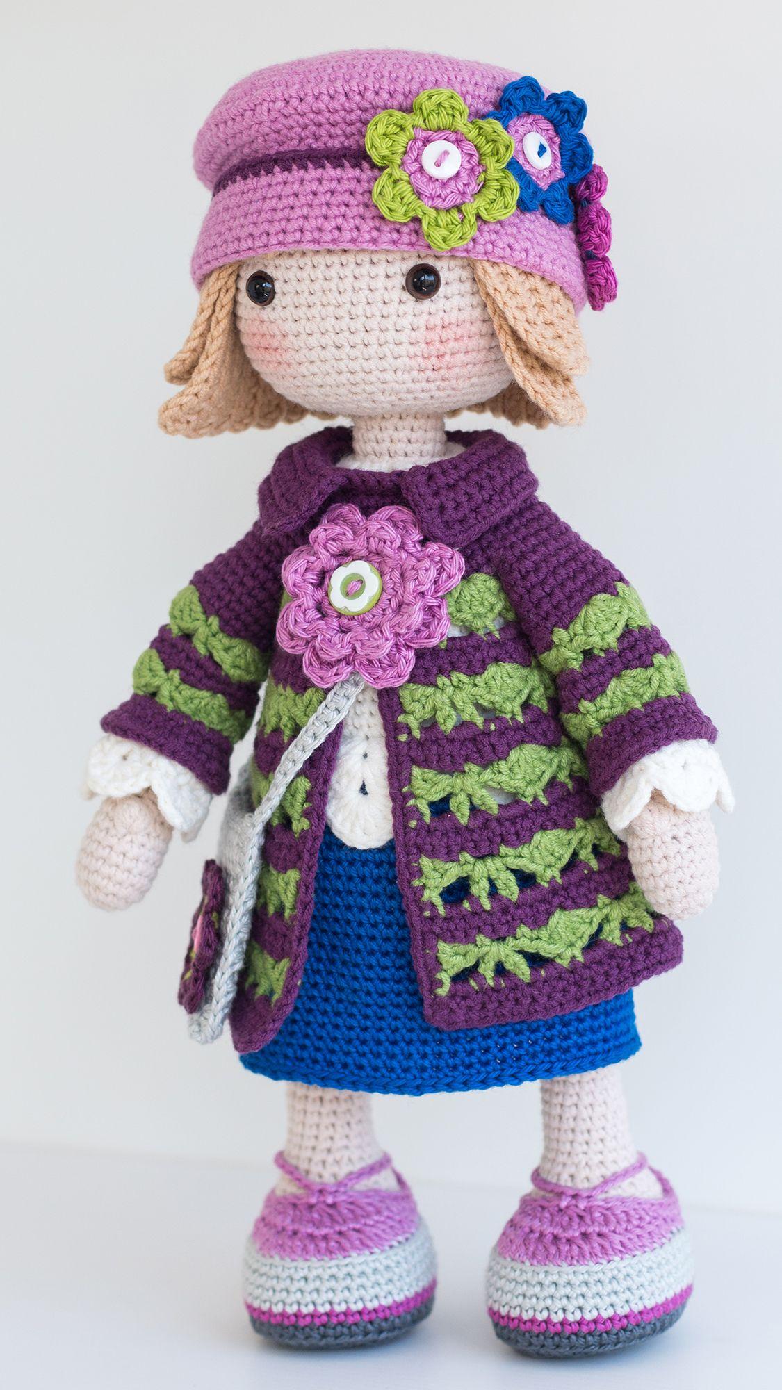 Crochet Spot » Blog Archive » Crochet Pattern: Doll Booties ... | 2000x1125
