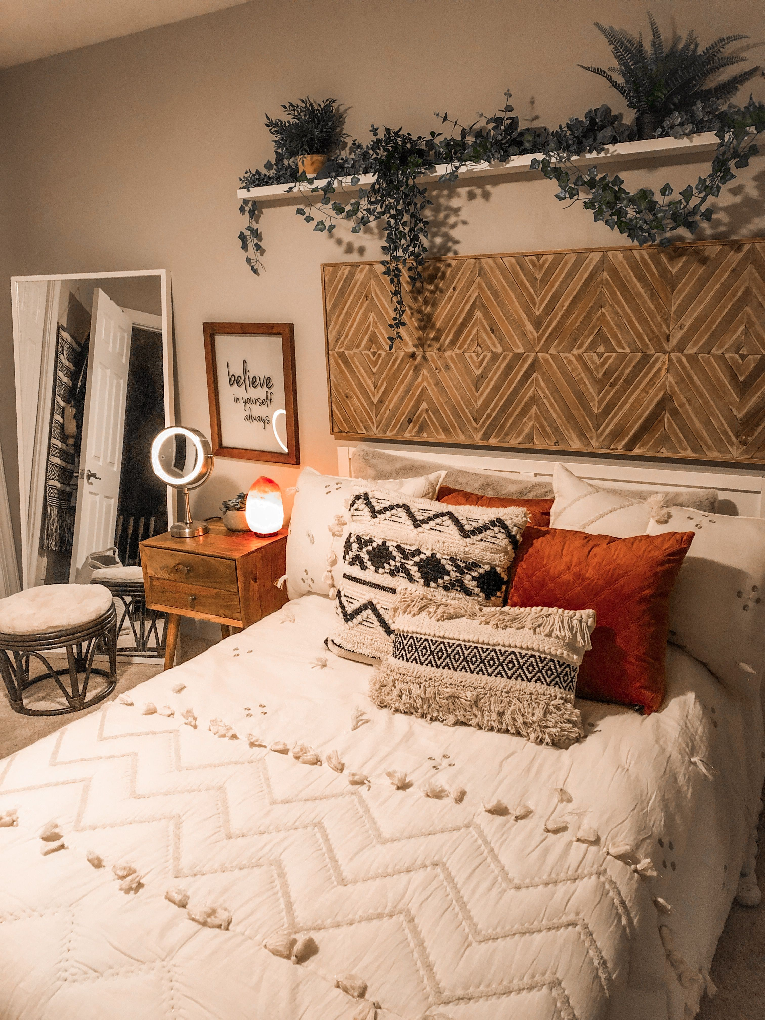 Boho Bedroom Inspo, Mid-Century Modern Style, Eclectic ...