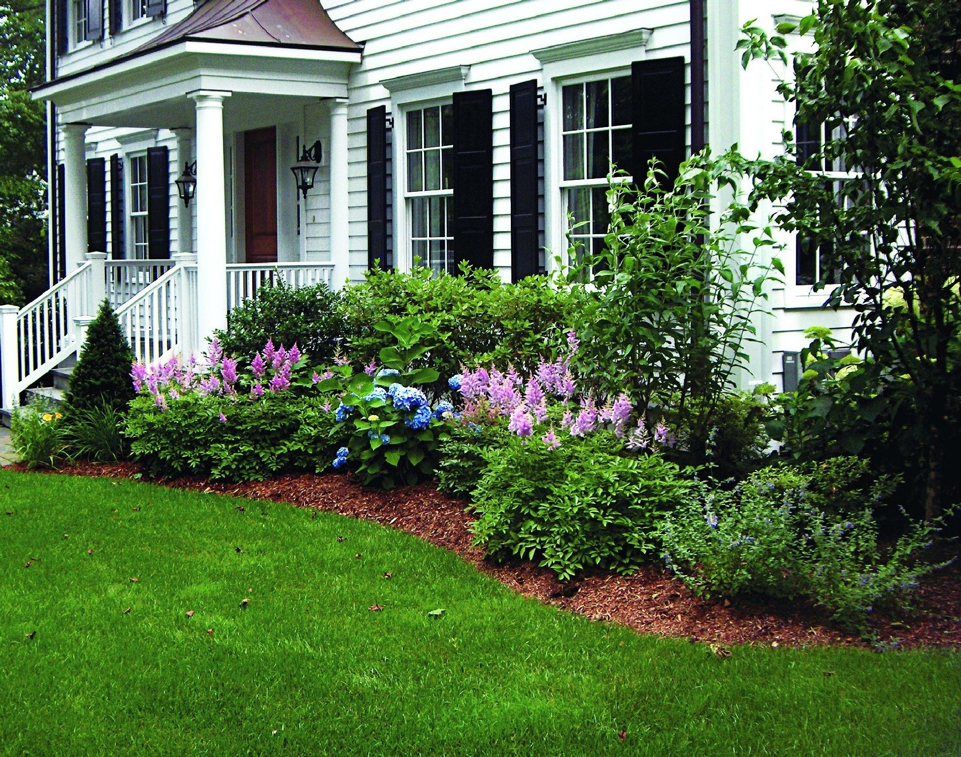 Best Foundation Planting Design Ideas 22 Read More Landscaping Around House Landscape Ideas Front Yard Curb Appeal Cool Landscapes